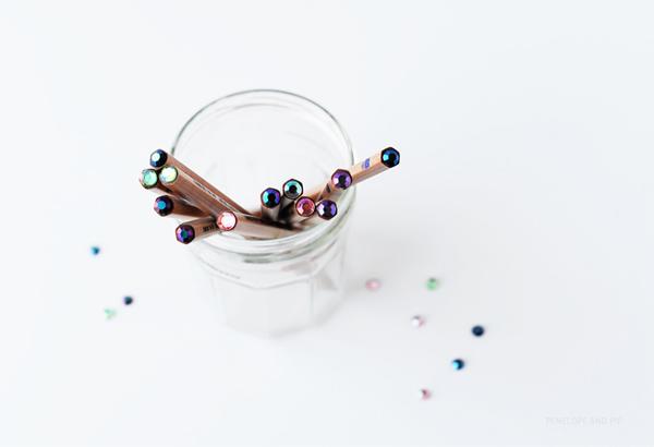DIY: sparkle top pencils