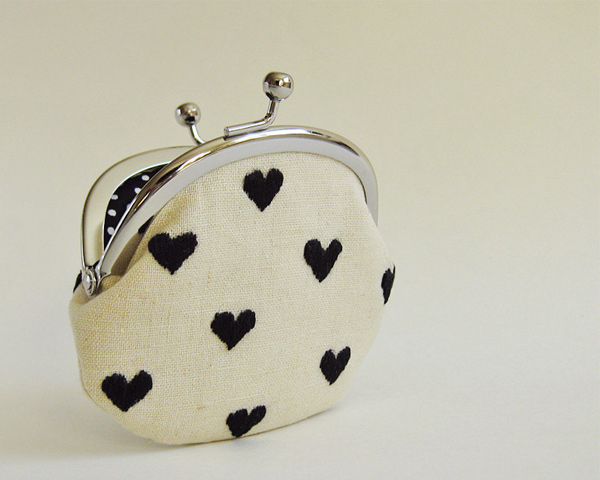 Black hearts on linen coin purse from OKTAK