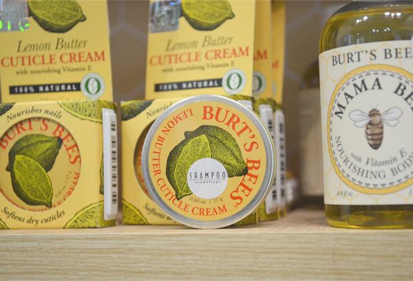Shampoo Cosméticos - display Burt's Bees