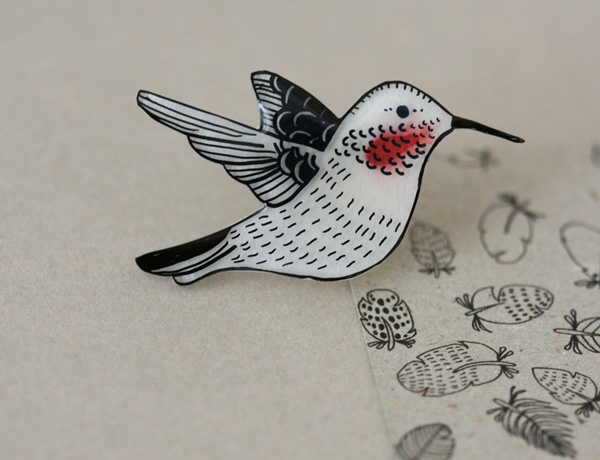 Lila Ruby King - Hummingbird Pin