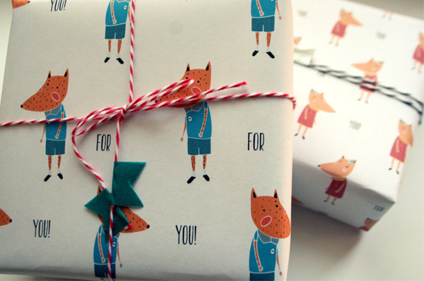 gift wrap - Mister and Misses fox