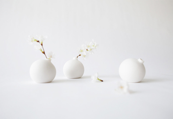Pure Porcelain Bud Vase, by Tokyo Craft Studios
