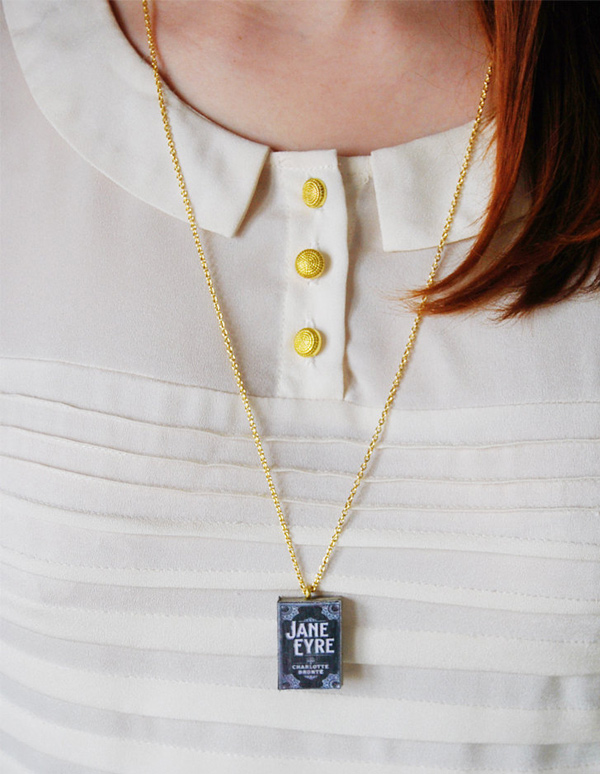 Bunnyhell mini-book necklace - Jane Eyre