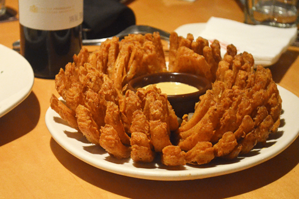Outback Steakhouse - Bloomin' Onion