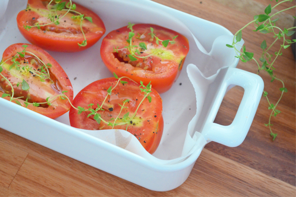 Ovos Mexidos Cremosos com Tomates Assados