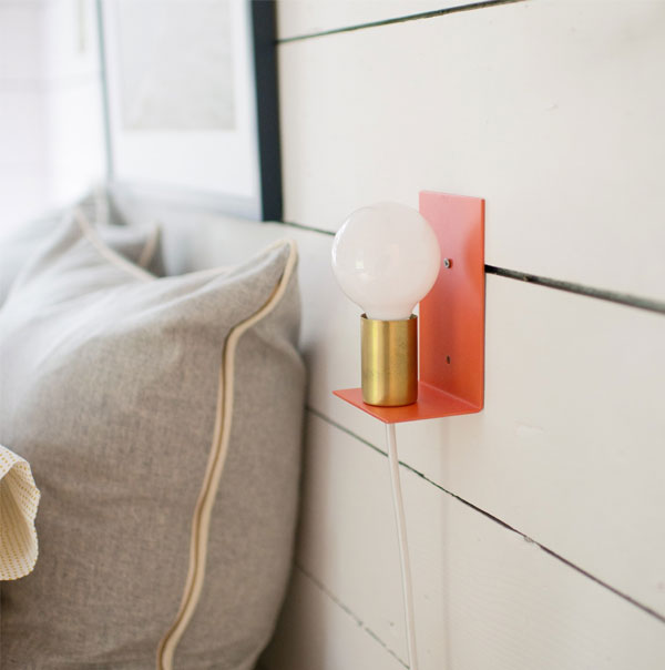 Irene Sconce | Luminária minimalista | A modern expression of the classic candle sconce from Schoolhouse Electric & Supply Co. | Blog Não Me Mande Flores