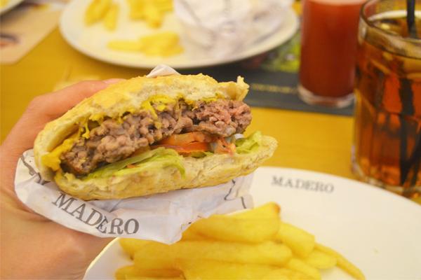 Madero Steak House | Restaurante |Cheeseburger de Cordeiro Madero | blog Não Me Mande Flores