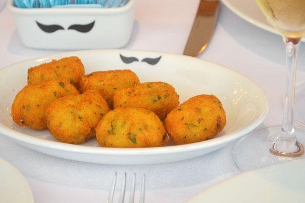 Adegão Português | restaurante português tradicional no Rio de Janeiro | Bolinho de Bacalhau