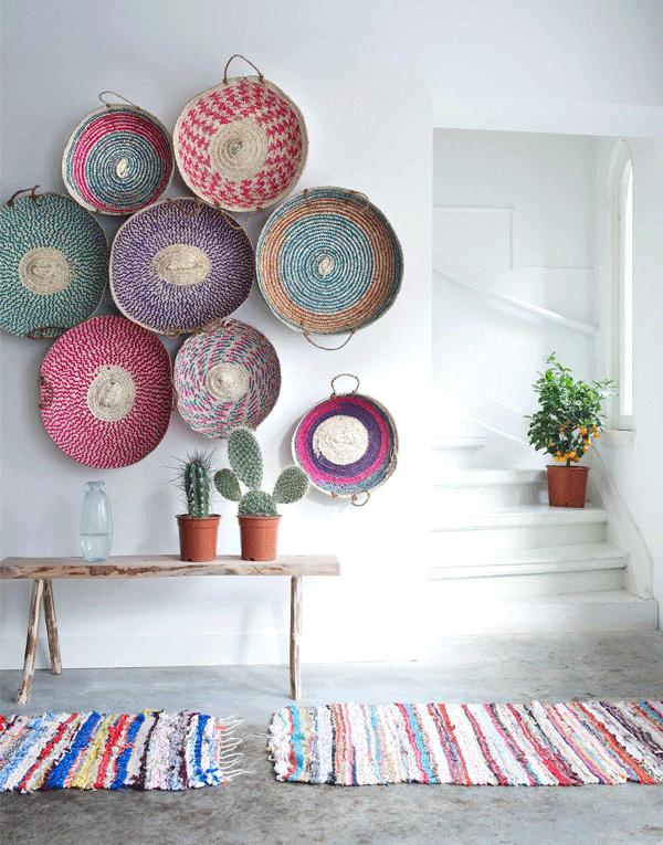 Inspiração decór: cestos na parede | foto da Tjitske van Leeuwen para a vtwonen