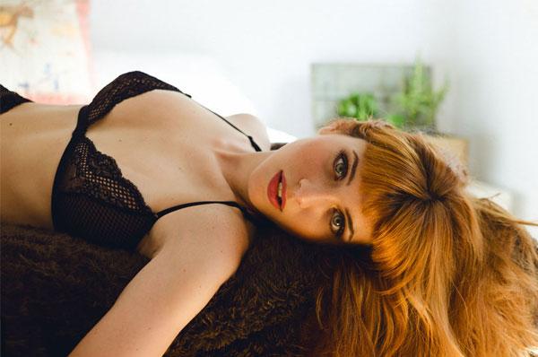 Felicitas Barresi fotografada por Mora Dorrego para a C-Heads Magazine