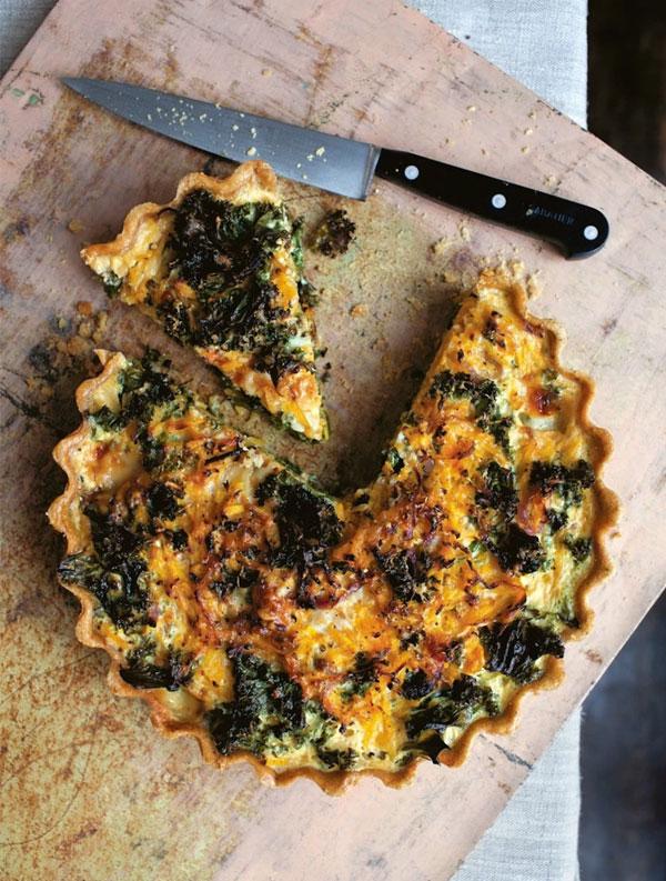 Um Jeito Moderno de Comer | Torta leve de abóbora-cheirosa e couve